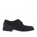 Men's laced shoe with Brogue decorations in black leather
