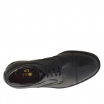Men's elegant derby shoe with laces and captoe in black leather