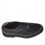 Men's elegant laced derby shoe with captoe in black leather