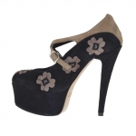 Woman's platform pump with crossed straps and flowers in black and taupe suede heel 15