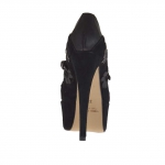 Woman's platform pump with crossed straps and flowers in black suede and leather heel 15