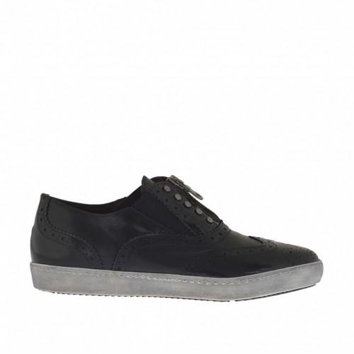 Chaussure pour femmes avec goujons et fermeture éclair en cuir et cuir brossé noir talon compensé 2 - Pointures disponibles:  32