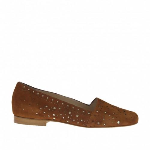 Chaussure fermée pour femmes en daim brun tabac perforé y cuir lamé platine talon 1 - Pointures disponibles:  33, 34