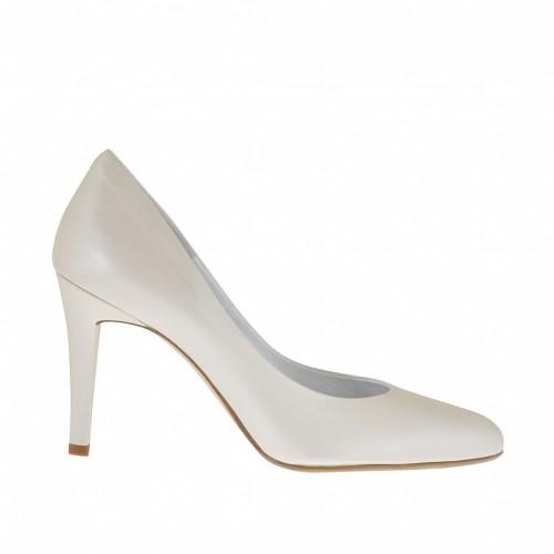 Escarpin pour femmes en cuir ivoire perlé talon 9 - Pointures disponibles:  34, 44