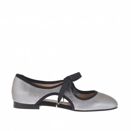 Damenschuh mit Schnürsenkeln aus silbernem laminiertem Leder mit Antik-Look und schwarzem Stoff Absatz 1 - Verfügbare Größen:  32, 33