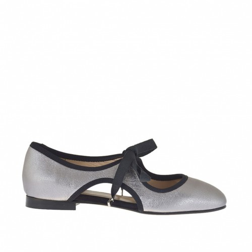 Woman's laced shoe in silver laminated antiqued leather and black fabric heel 1 - Available sizes:  32, 33
