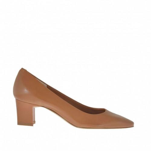 Escarpin pour femmes en cuir brun tabac talon 5 - Pointures disponibles:  45, 46