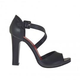 Scarpa aperta da donna in pelle nera con cinturino e plateau tacco 9 - Misure disponibili: 32