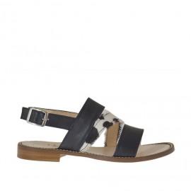 Sandalo a fasce da donna con cinturino in pelle nera e cavallino tacco 1 - Misure disponibili: 33, 34, 42