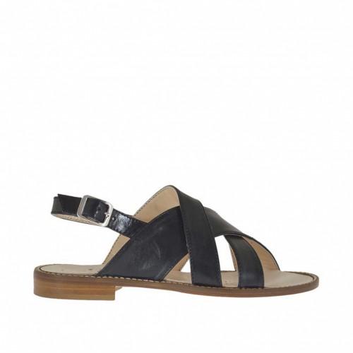 Sandale pour femmes avec bandes croisées et courroie en cuir noir talon 1 - Pointures disponibles:  43