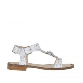 Sandalo da donna con fibbia e cinturini in pelle bianca traforata tacco 1 - Misure disponibili: 42