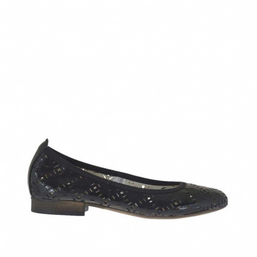 Woman's ballerina shoe in pierced black patent leather heel 2 - Available sizes:  45