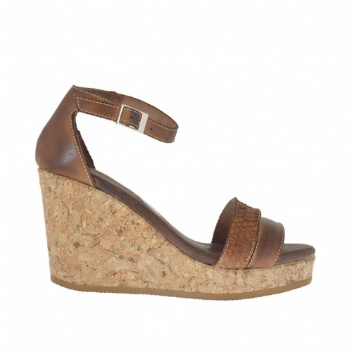 Woman's open strapshoe with cork wedge and platform in tan-coloured printed leather wedge 8 - Available sizes:  42, 43, 45