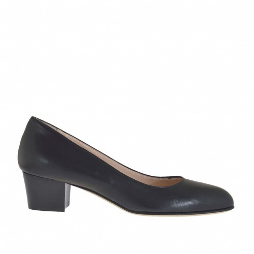 Woman's pump shoe in black leather heel 4 - Available sizes:  33, 44