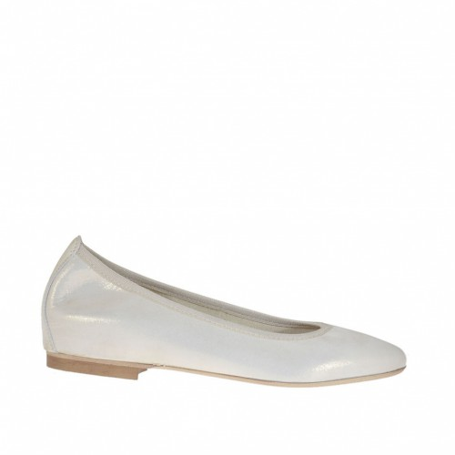 Woman's ballerina shoe with pointed toe in laminated platinum coated suede heel 1 - Available sizes:  32, 33, 34