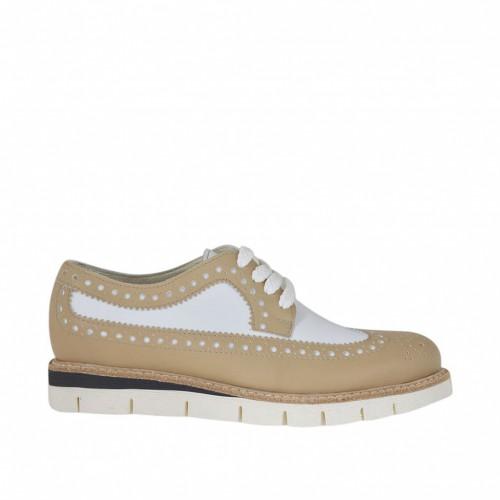 Chaussure richelieu pour femmes à lacets en cuir beige et blanc talon compensé 2,5 - Pointures disponibles:  32, 33, 34, 44