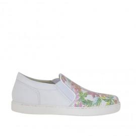 Scarpa accollata da donna con elastici in pelle bianca stampata fantasia floreale zeppa 2 - Misure disponibili: 33