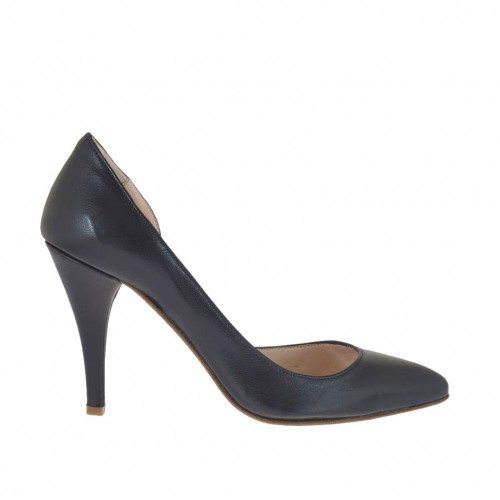 Woman's pump with sidecut in black leather heel 8 - Available sizes:  31, 43