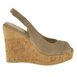 Sandalo da donna in camoscio taupe con zeppa 10 in sughero - Misure disponibili: 42, 46