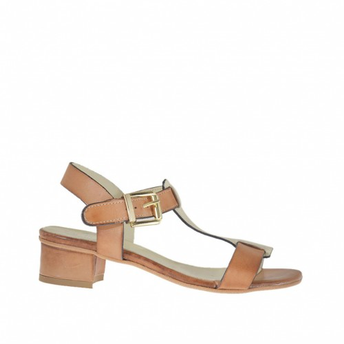 Woman's sandal in tan-colored and laminated platinum leather heel 3 - Available sizes:  45