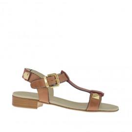 Sandalo da donna con borchie in pelle color cuoio e rosso tacco 2 - Misure disponibili: 33, 45