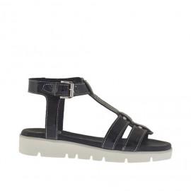 Sandalo da donna con cinturino e borchie in vernice nera zeppa 2,5 - Misure disponibili: 33, 34