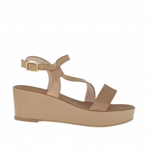 Tan-colored and varnished woman's sandal with coated platform and wedge 5 - Available sizes:  46