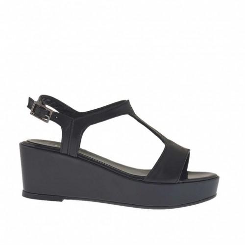 Sandale pour femmes noir et vernis noir avec couvert plateforme et talon compensé 5 - Pointures disponibles:  46
