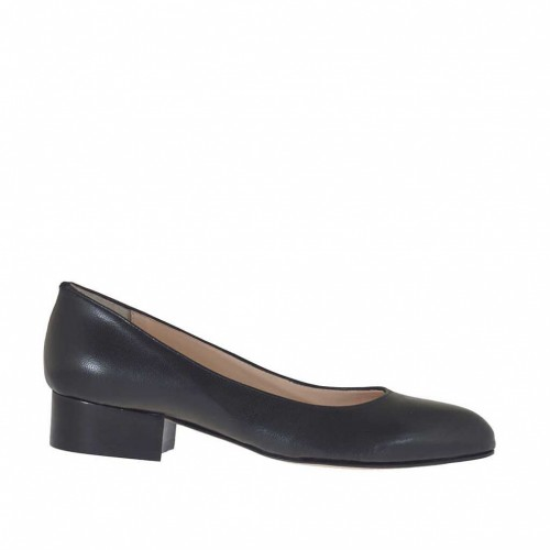 Woman's pump shoe in black leather heel 3 - Available sizes:  32, 33