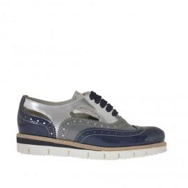 Zapato estilo inglés para mujer con cordones en charol perforado plata, gris y azul cuña 2,5 - Tallas disponibles: 32, 33, 42