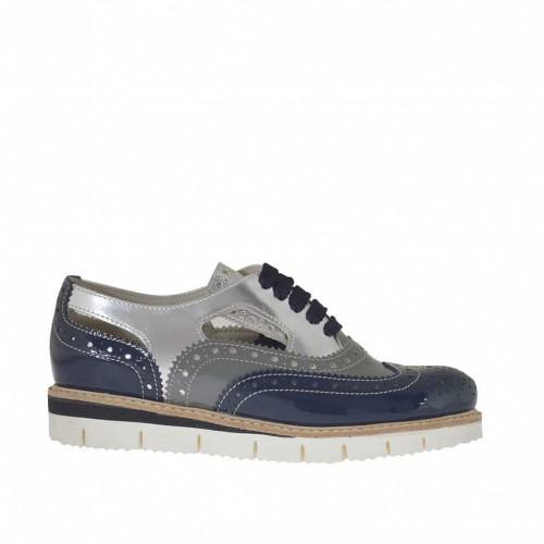 Chaussure richelieu à lacets pour femmes en cuir vernis perforé argent, gris et bleu talon compensé 2,5 - Pointures disponibles:  33, 42