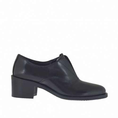 Woman's ankle-high shoe with inner rubber band in black leather heel 5 - Available sizes:  33, 34, 46, 47