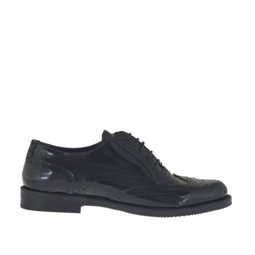 Woman's laced Oxford shoe in black brush-off leather heel 2 - Available sizes:  32, 33