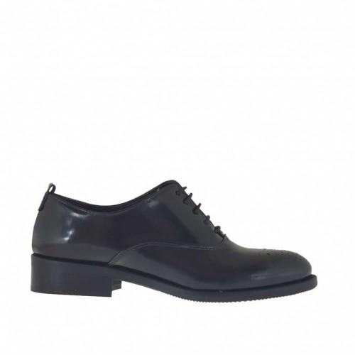 Chaussure richelieu à lacets pour femmes en cuir brossé noir talon 3 - Pointures disponibles:  32, 45, 46