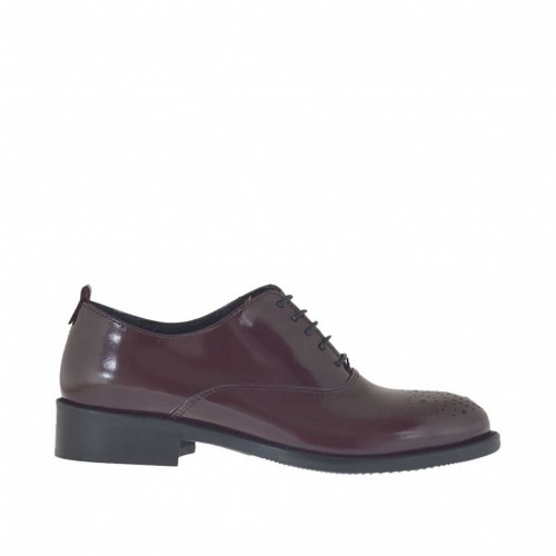 Woman's laced Oxford shoe in maroon brush-off leather heel 3 - Available sizes:  32, 46