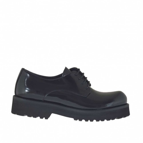 Woman's laced derby shoe in black brush-off leather heel 3 - Available sizes:  32
