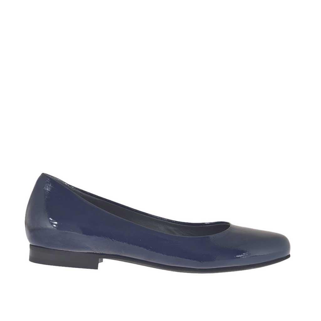 ballerinaschuh f r damen aus blauem lackleder absatz 1 ghigocalzature. Black Bedroom Furniture Sets. Home Design Ideas