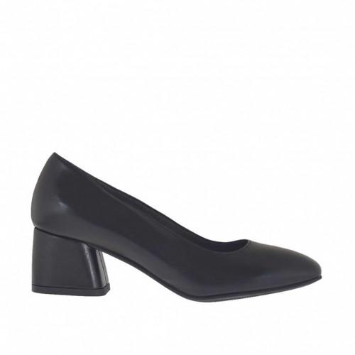 Escarpin pour femmes en cuir de couleur noir talon carré 5 - Pointures disponibles:  43, 44