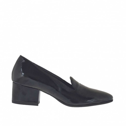 Woman's closed shoe in black patent leather heel 4 - Available sizes:  32, 34, 42, 43, 44, 45