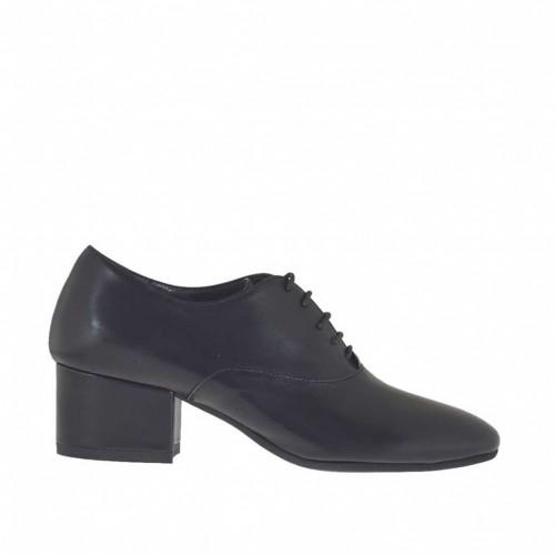 Chaussure richelieu à lacets pour femmes en cuir noir talon 4 - Pointures disponibles:  42, 43