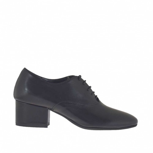Woman's laced Oxford shoe in black leather heel 4 - Available sizes:  42, 43, 44