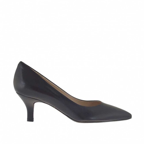 Woman's pump shoe in black leather heel 5 - Available sizes:  32, 46