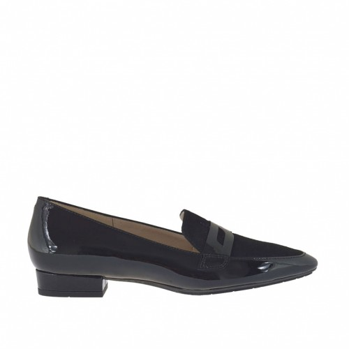 Woman's mocassin in black patent leather and suede heel 1,5 - Available sizes:  43