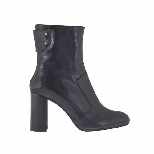 Woman's ankle boot with back zipper in black leather heel 8 - Available sizes:  47
