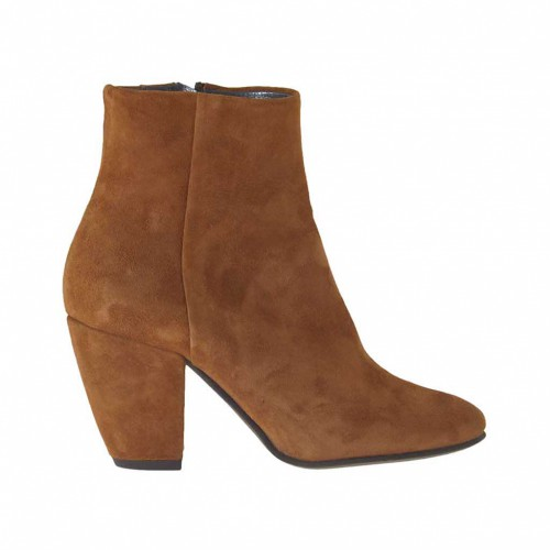 Woman's ankle boot with zipper in tobacco suede heel 7 - Available sizes:  33, 42