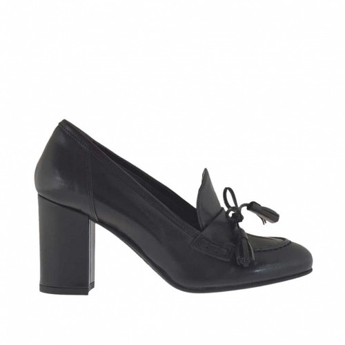 Woman's closed shoe with laces and tassels in black leather heel 7 - Available sizes:  43, 44