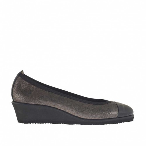 Woman's pump in black and gunmetal leather wedge 3 - Available sizes:  42