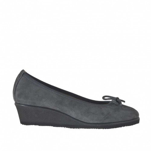 Woman's pump with bow in grey suede wedge 3 - Available sizes:  42, 43, 44