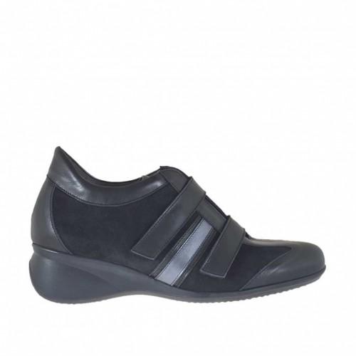 Chaussure sportif pour femmes en cuir et daim noir et bronze à canon avec fermeture velcro talon compensé 5 - Pointures disponibles:  42