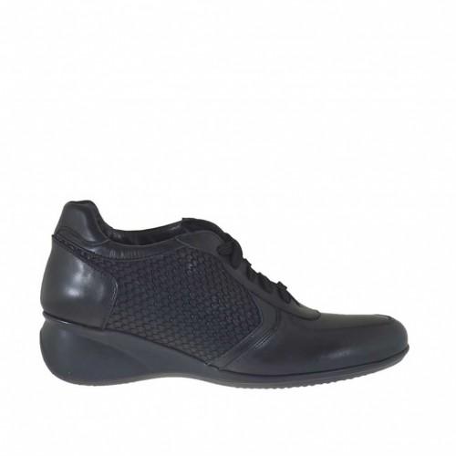 Chaussure pour femmes à lacets en cuir et cuir imprimé noir talon compensé 5 - Pointures disponibles:  42, 44